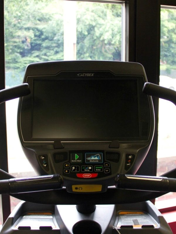 Used-Cybex-627a-Arc-Trainer–screen-high-res